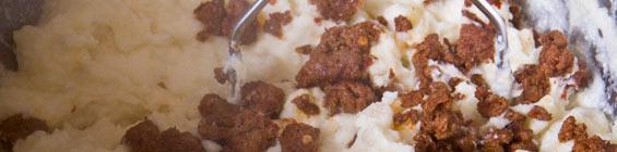 folding-chorizo-mashed-potatoes
