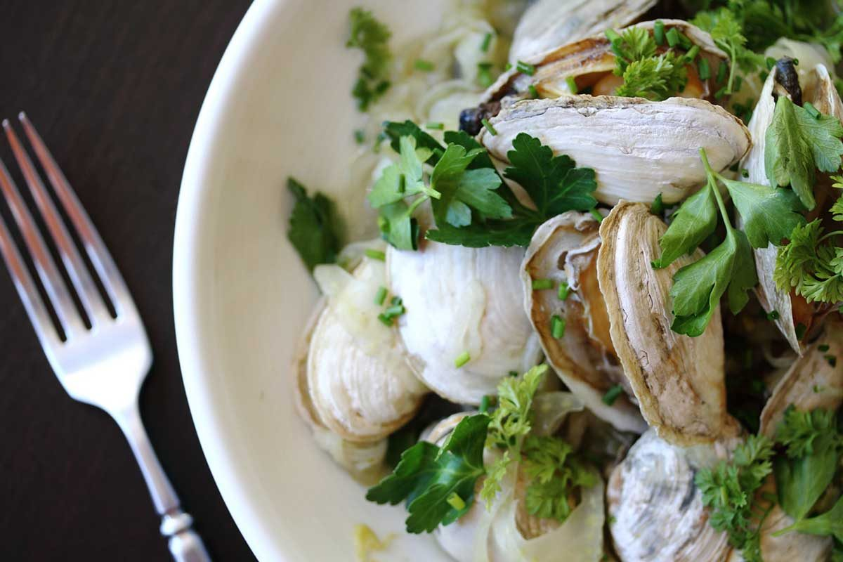 Herb & Anise Steamer Clams