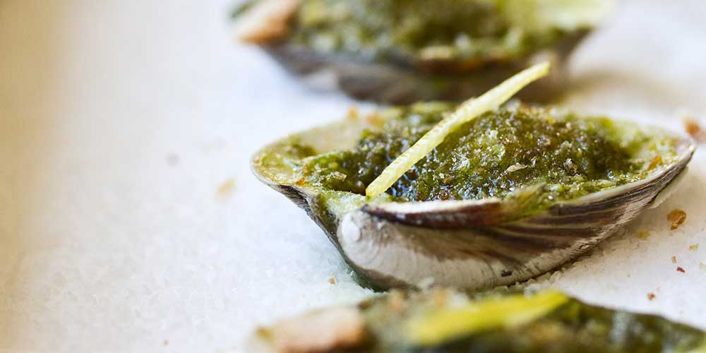 Lemon Pesto Baked Clams