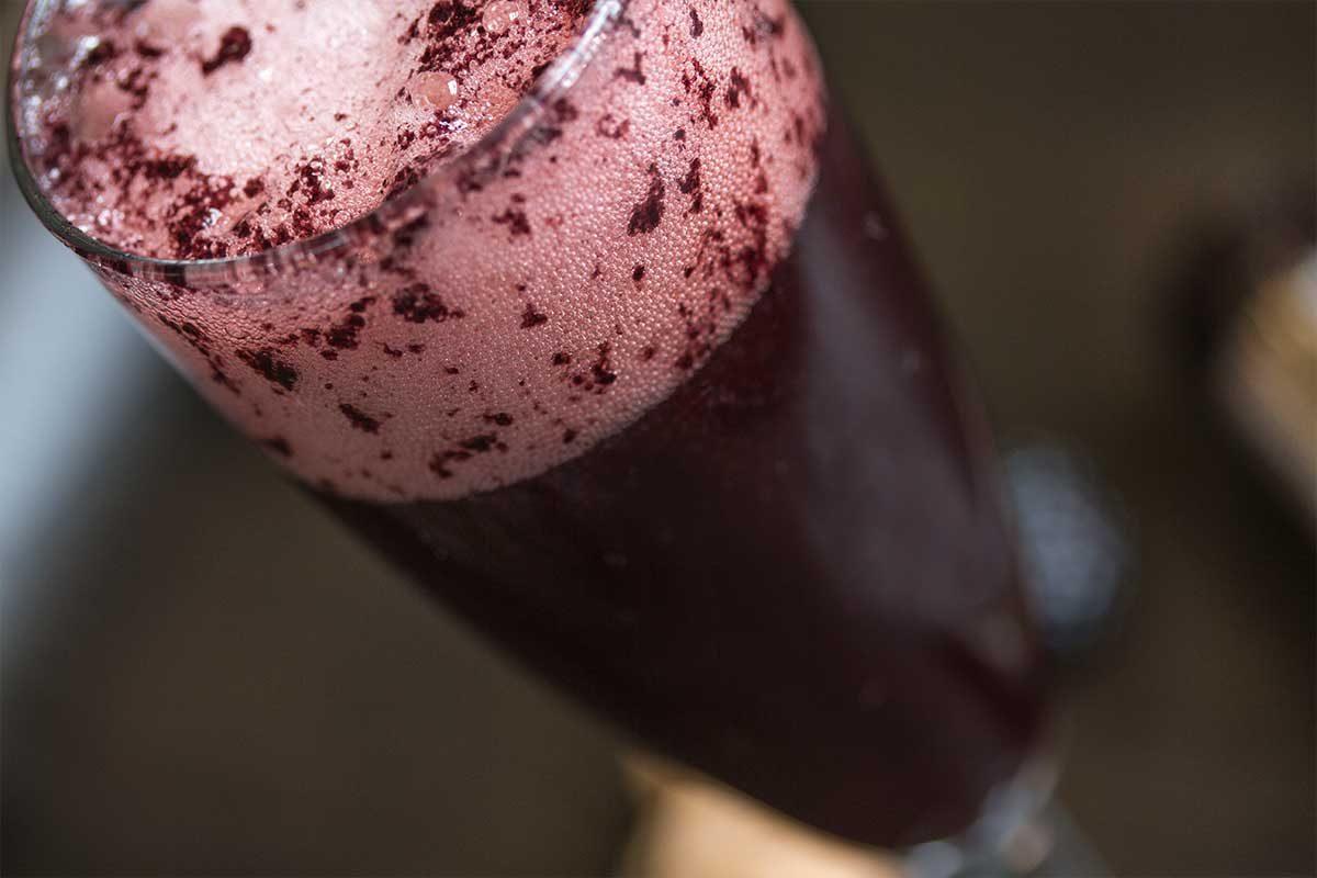 Blackberry Bellini Cocktail