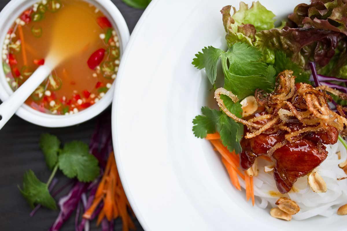 Vietnamese Bun Caramel Glazed Kurobuta Pork