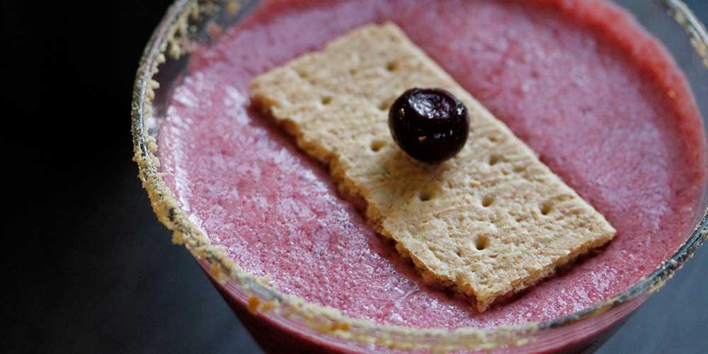 Huckleberry Pie-tini