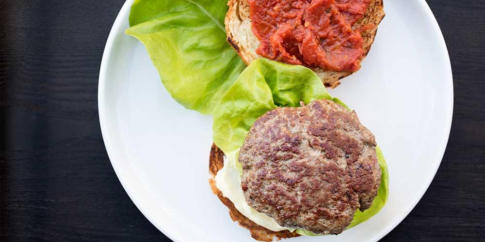 Lamb Burger w/ Lemon Aioli & Tomato Jam