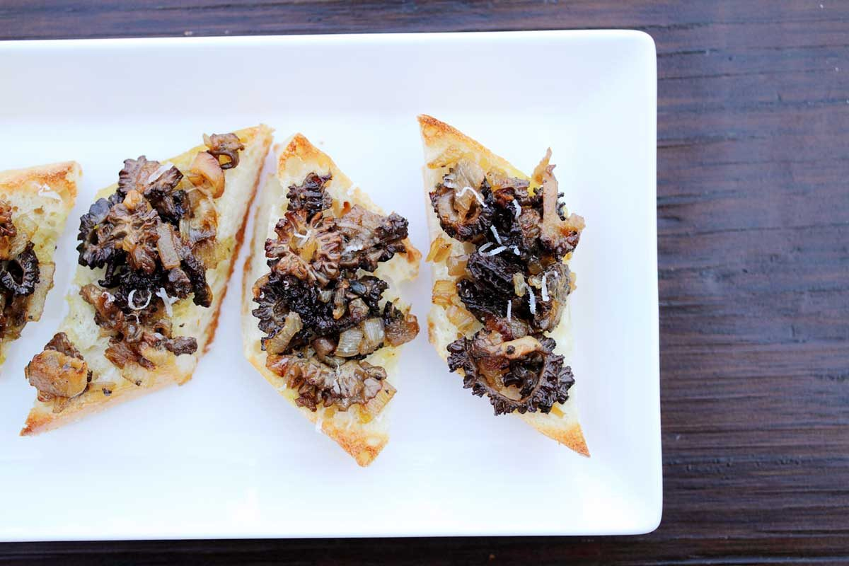 morel bruschetta toast