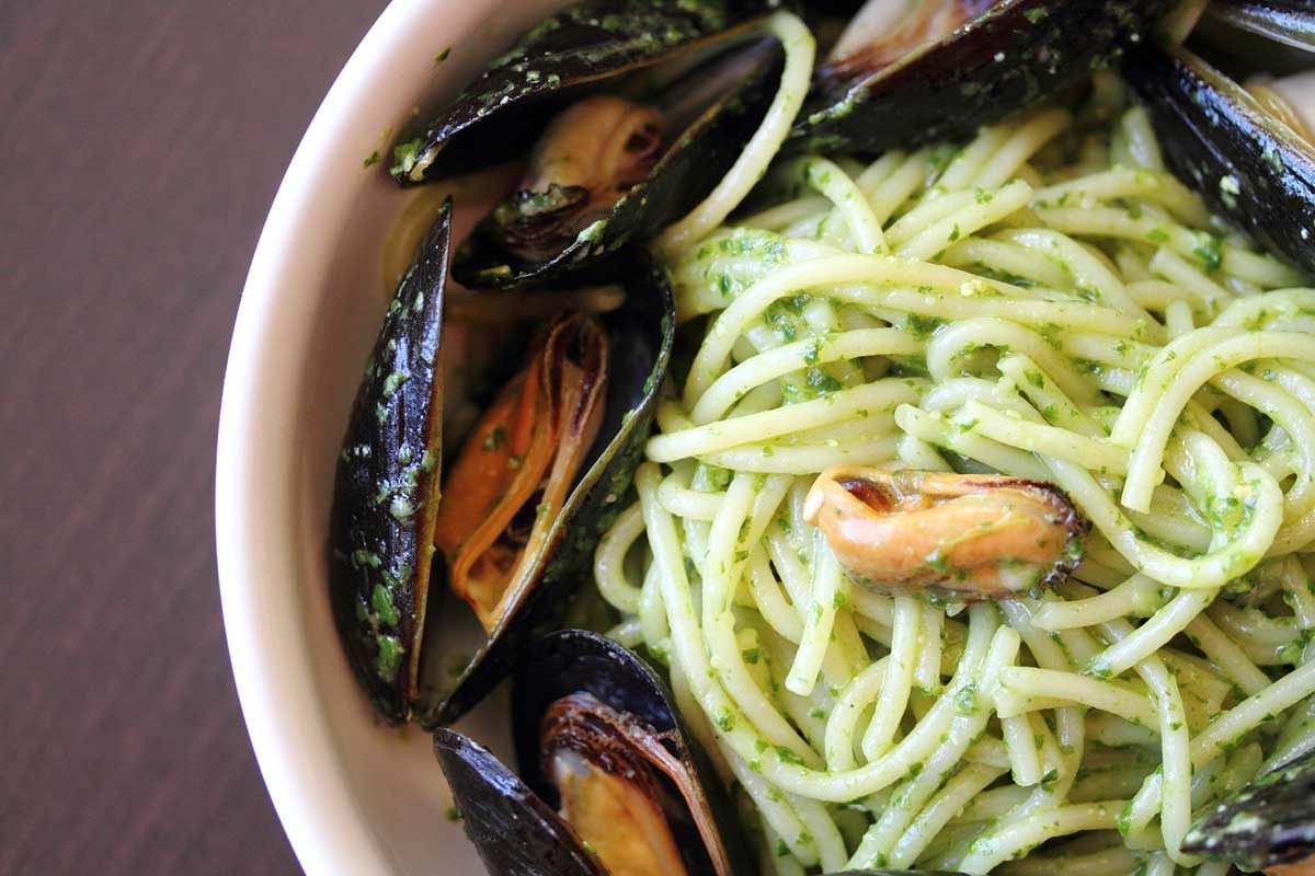 Pasta with Pesto & Mussels