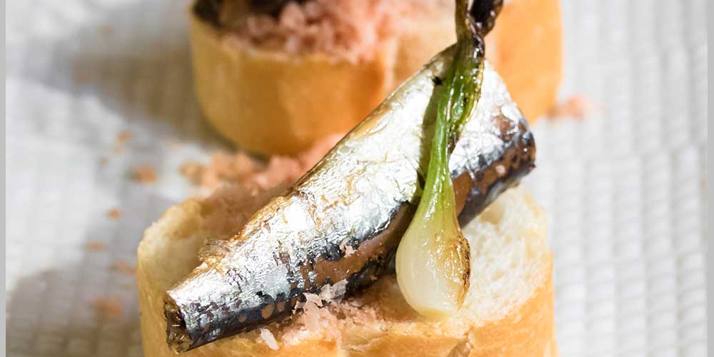 Spiced Sardines, Fried Onions & Mojama