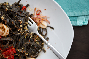 squid_ink_pasta_w_squid-THMB